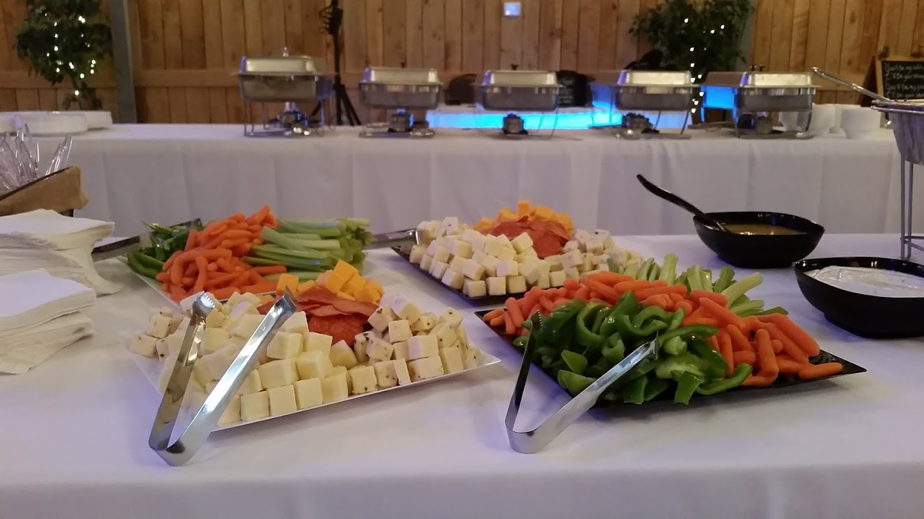CHEESE TRAY / VEGGIE TRAY